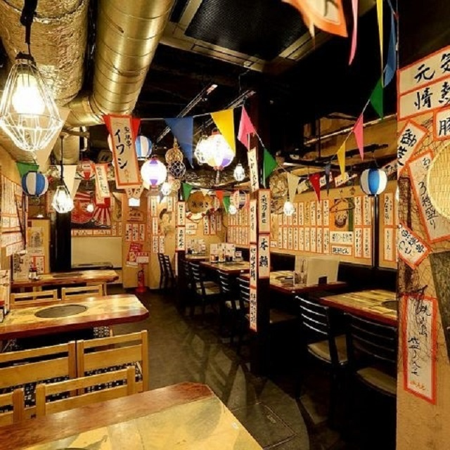 Comfy atmosphere! Sanchoku Ichiba can accommodate up to 75 people!